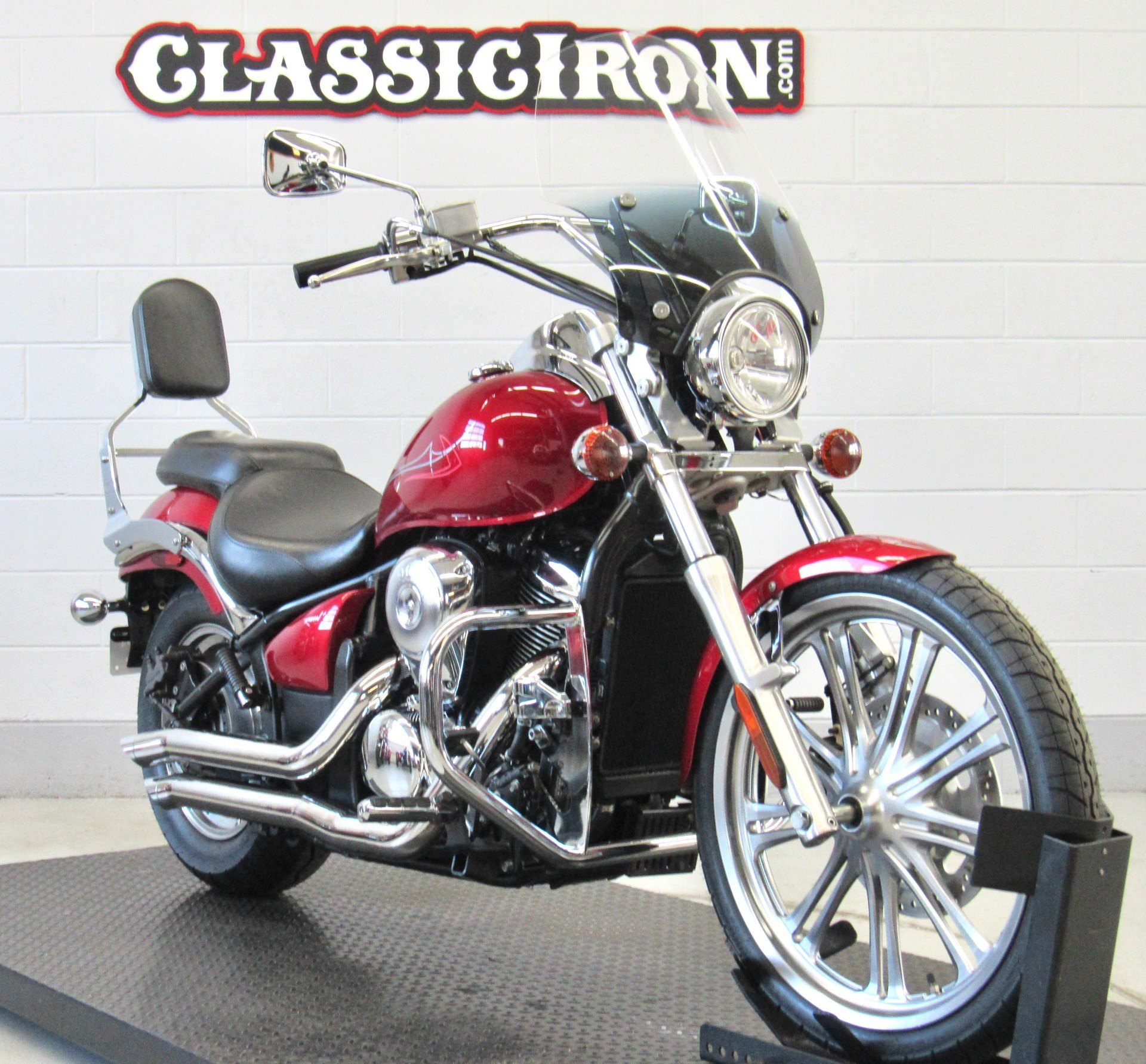 2007 Kawasaki Vulcan® 900 Custom in Fredericksburg, Virginia - Photo 2
