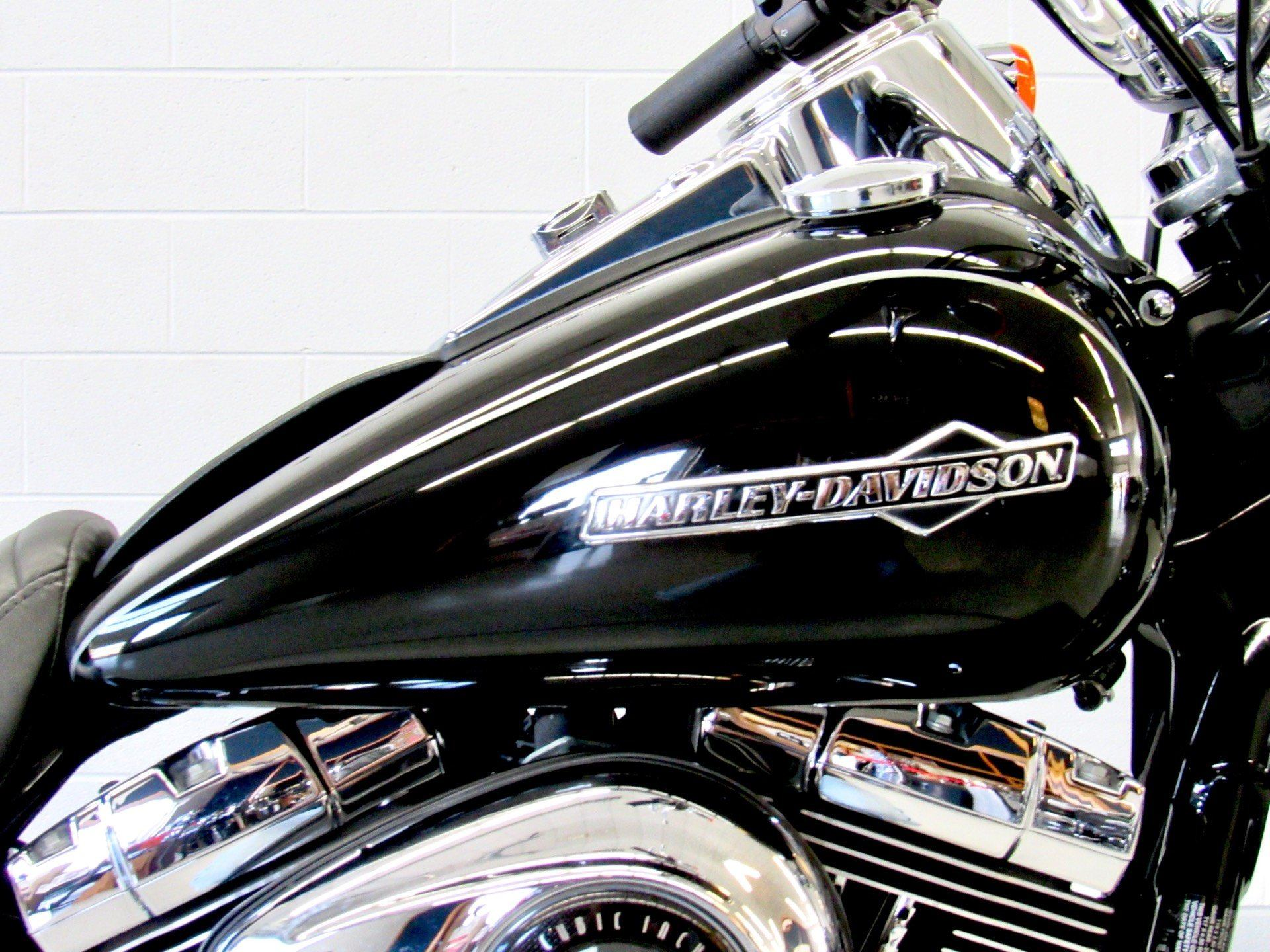 2012 Harley-Davidson Dyna® Super Glide® Custom in Fredericksburg, Virginia - Photo 13