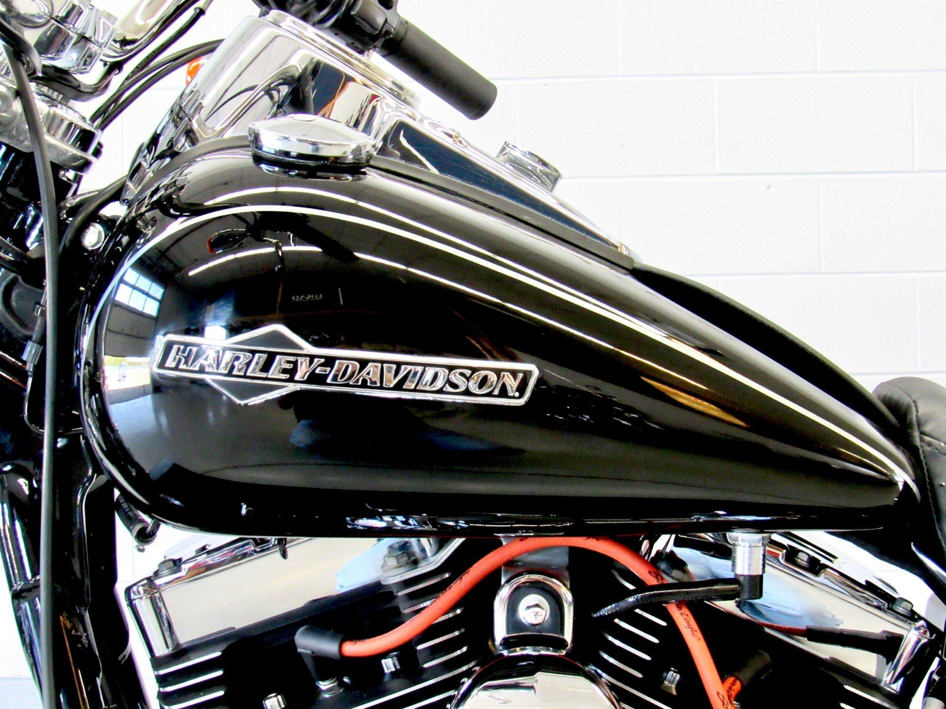 2012 Harley-Davidson Dyna® Super Glide® Custom in Fredericksburg, Virginia - Photo 18