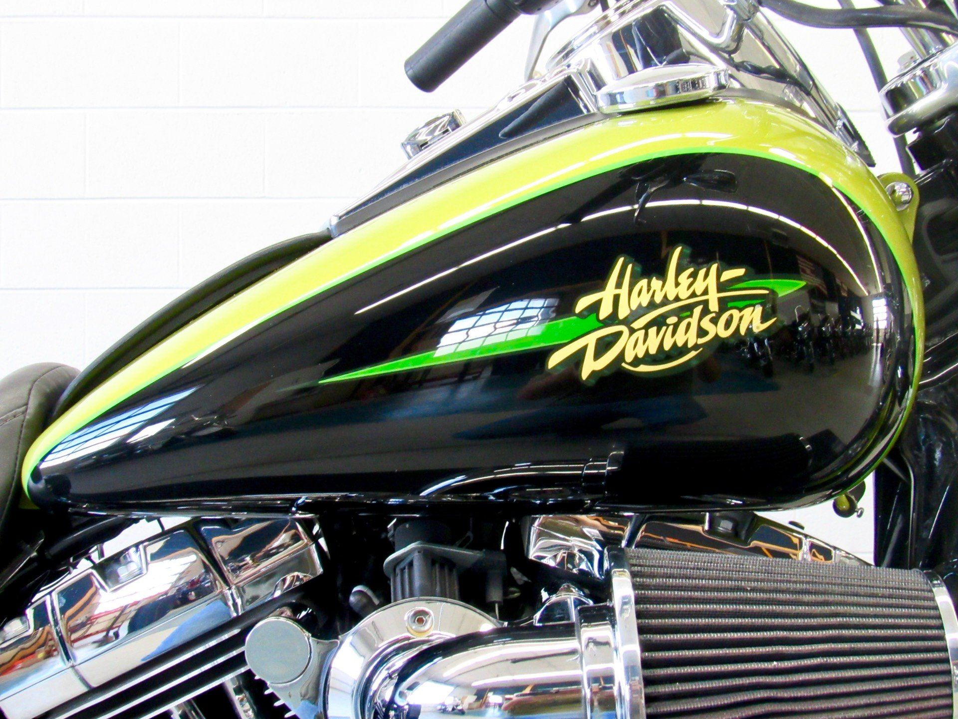 2011 Harley-Davidson Dyna® Super Glide® Custom in Fredericksburg, Virginia - Photo 13