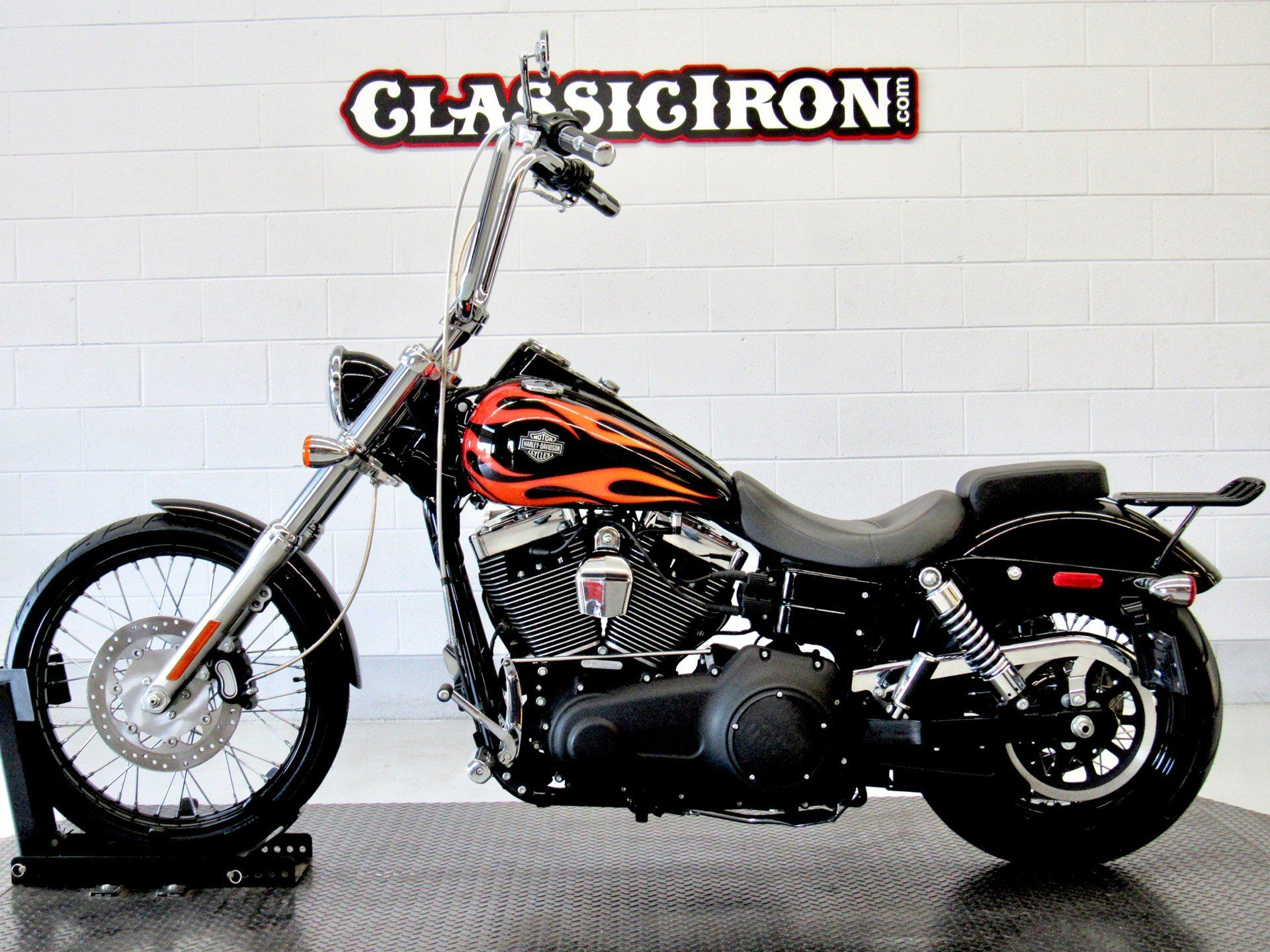 2011 Harley-Davidson Dyna® Wide Glide® in Fredericksburg, Virginia - Photo 4