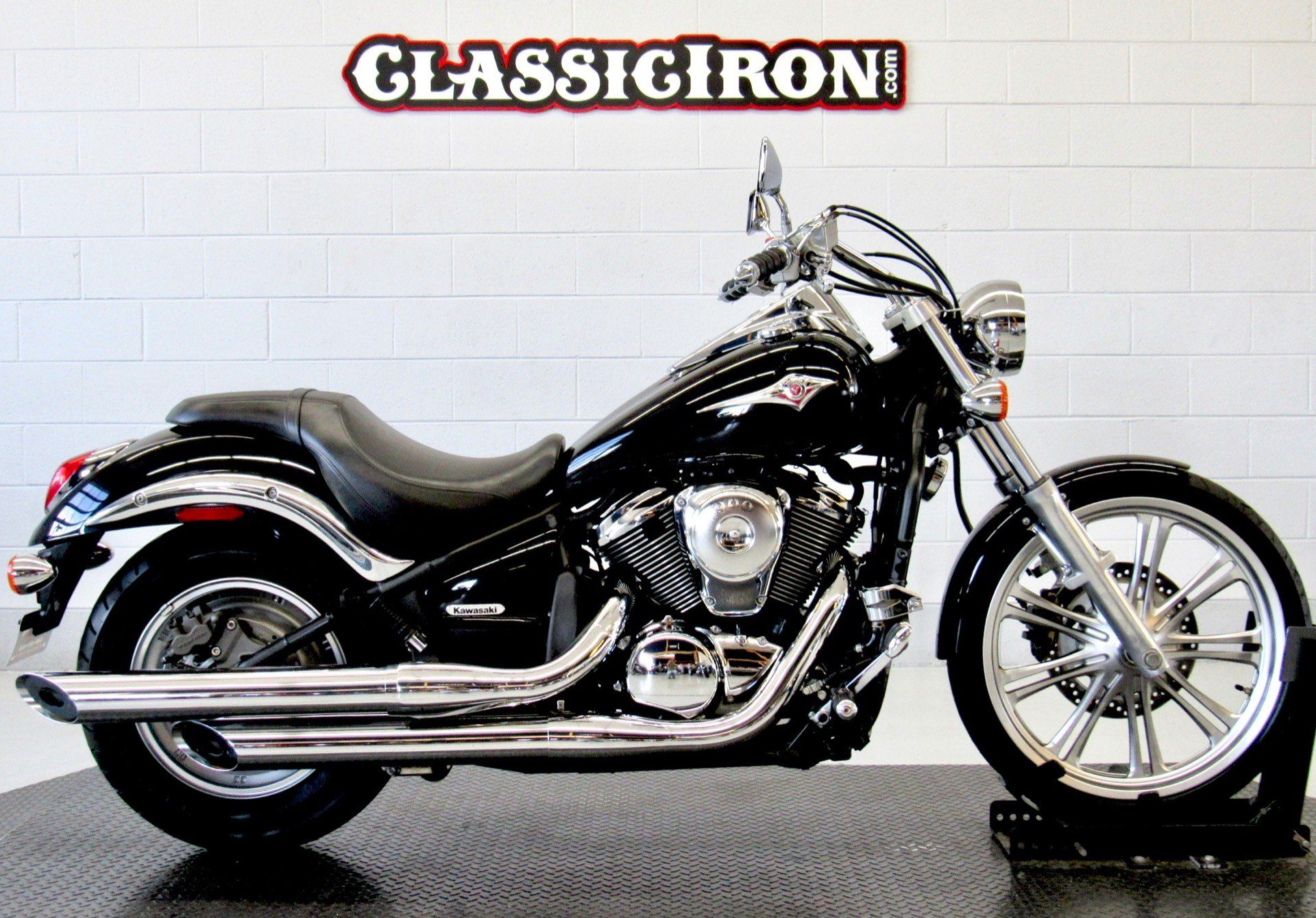 2009 Kawasaki Vulcan® 900 Custom in Fredericksburg, Virginia - Photo 1