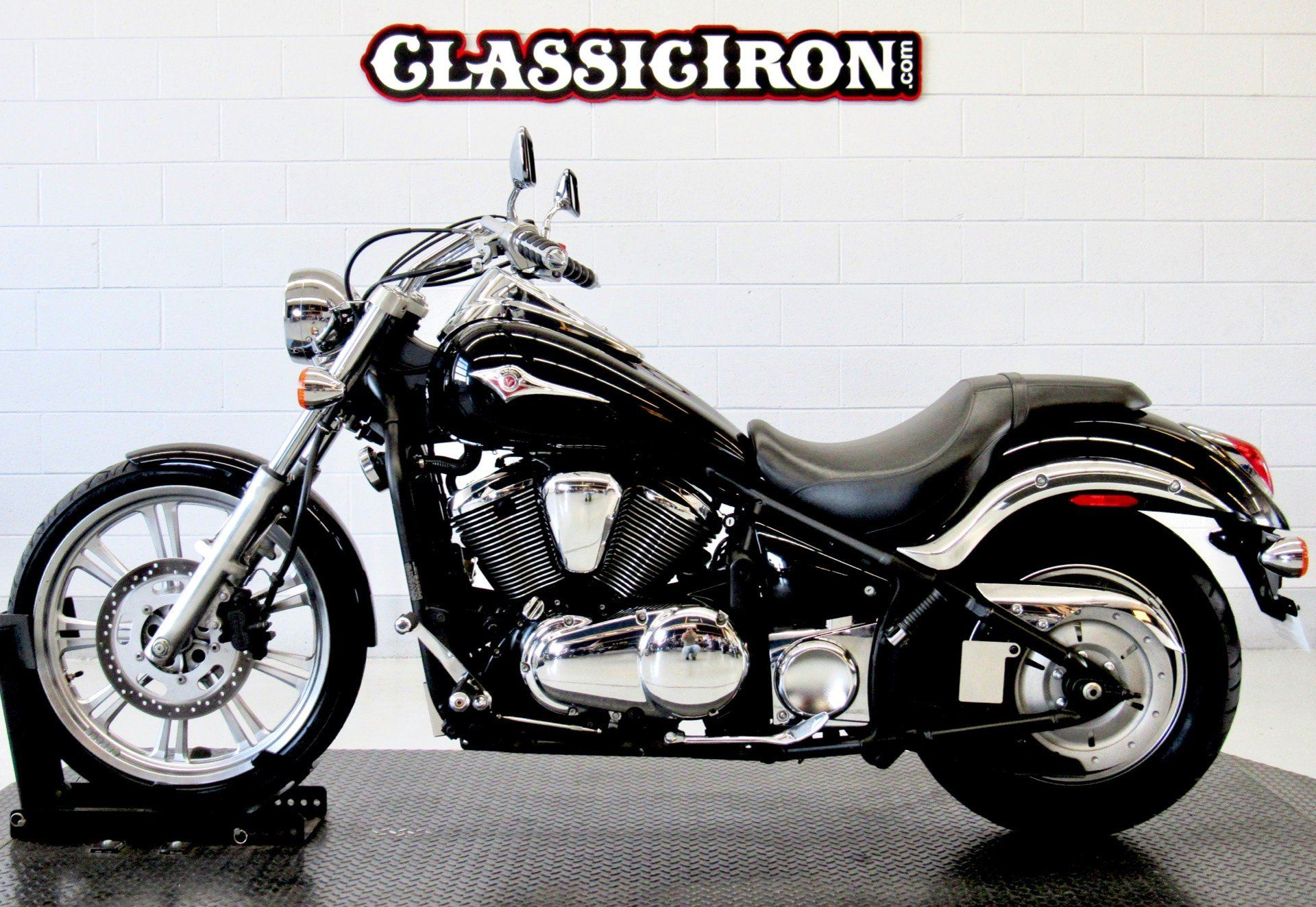 2009 Kawasaki Vulcan® 900 Custom in Fredericksburg, Virginia - Photo 4