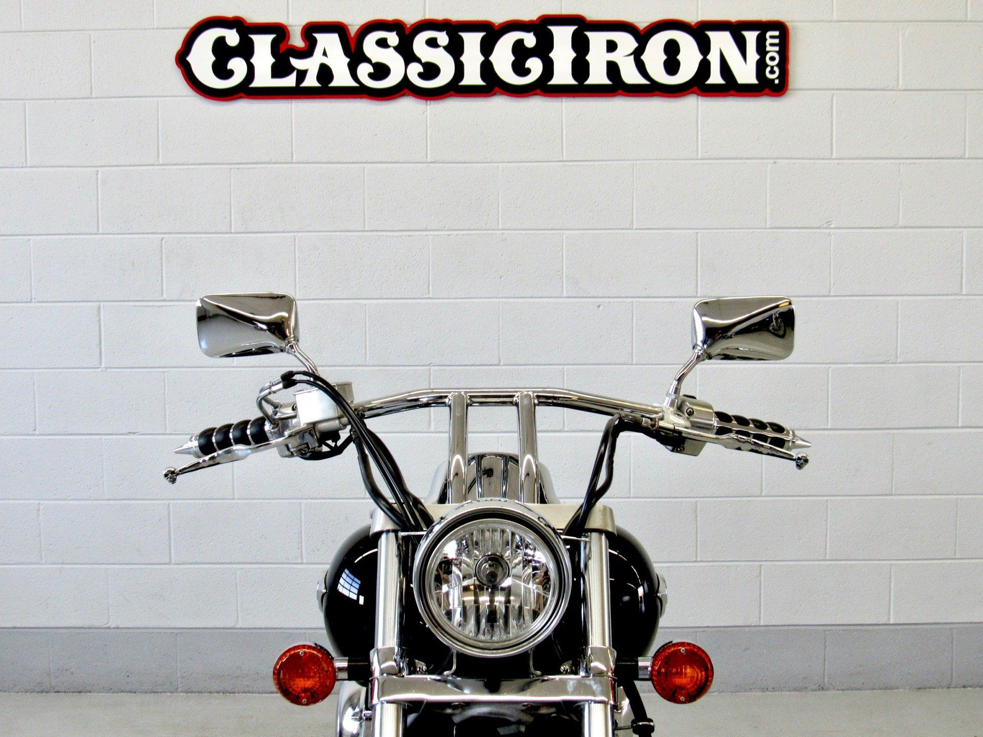 2009 Kawasaki Vulcan® 900 Custom in Fredericksburg, Virginia - Photo 8