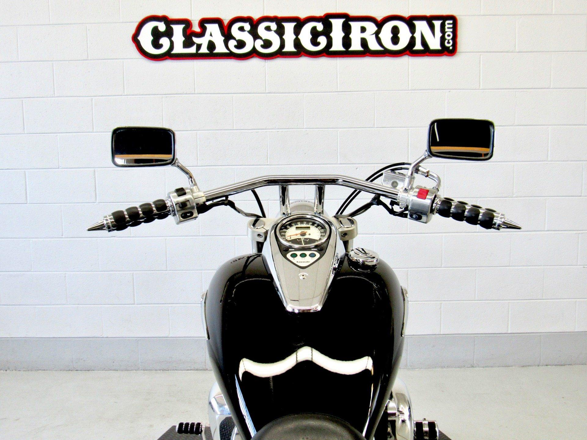 2009 Kawasaki Vulcan® 900 Custom in Fredericksburg, Virginia - Photo 10