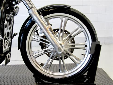 2009 Kawasaki Vulcan® 900 Custom in Fredericksburg, Virginia - Photo 11
