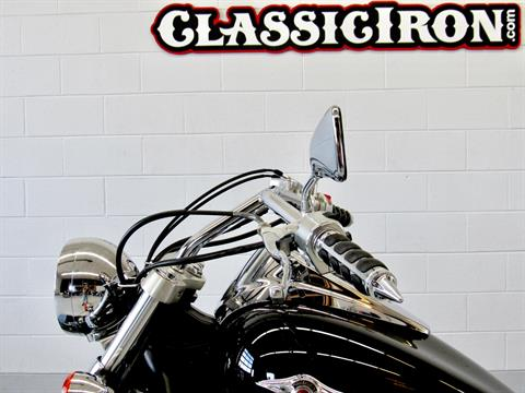 2009 Kawasaki Vulcan® 900 Custom in Fredericksburg, Virginia - Photo 17