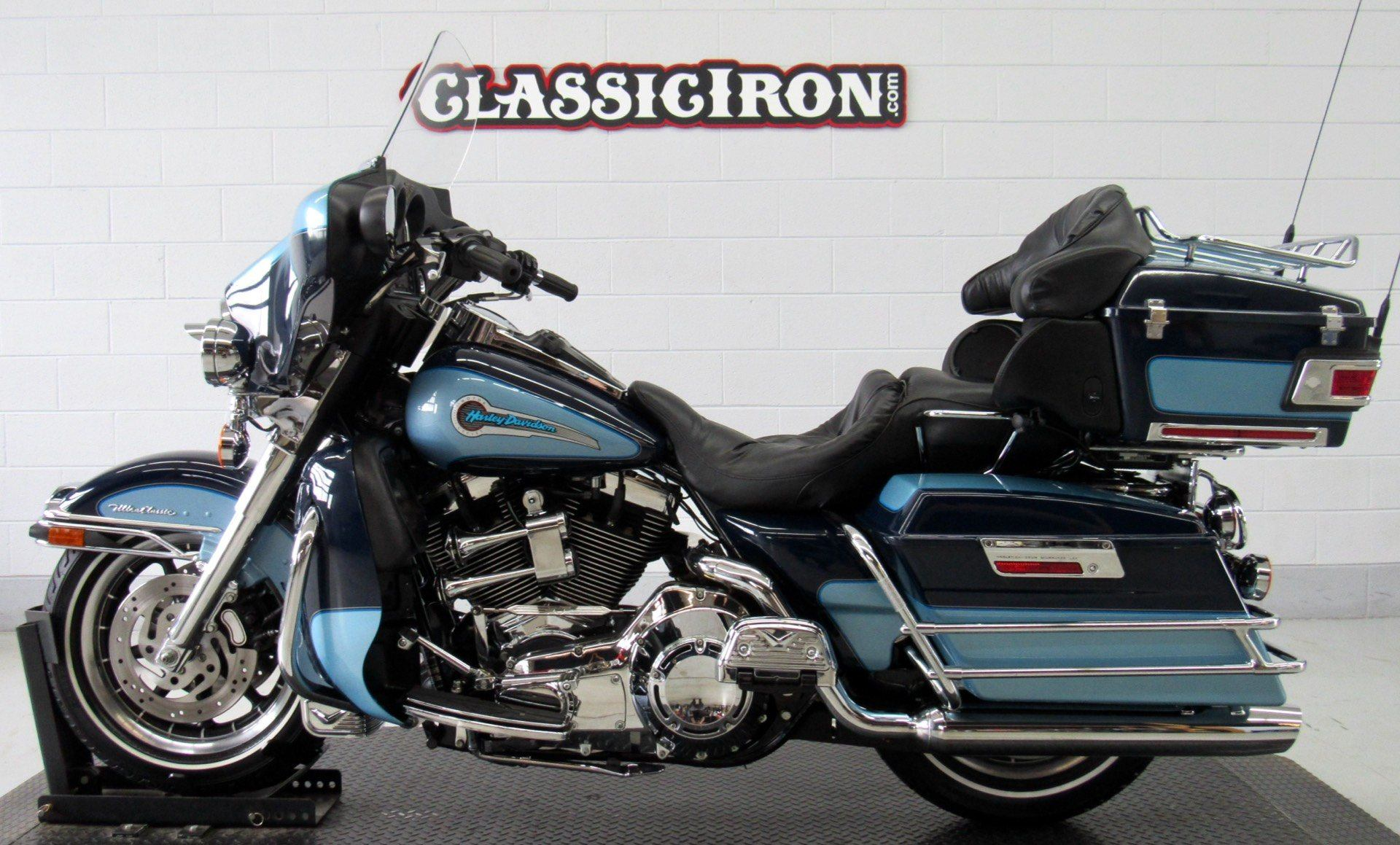 2002 Harley-Davidson FLHTCUI Ultra Classic® Electra Glide® in Fredericksburg, Virginia - Photo 4
