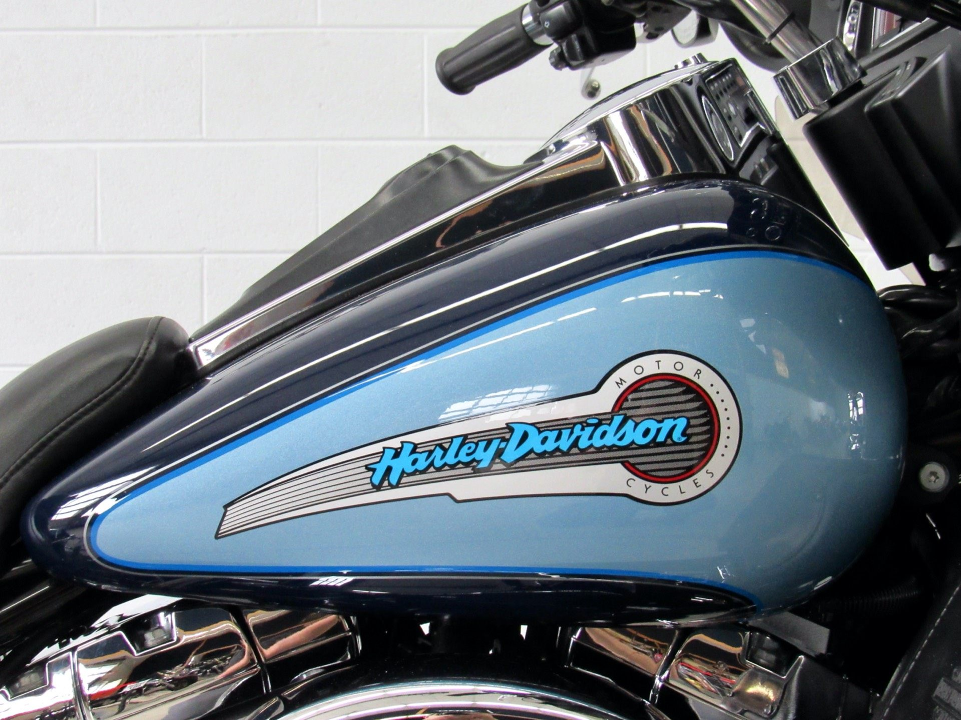 2002 Harley-Davidson FLHTCUI Ultra Classic® Electra Glide® in Fredericksburg, Virginia - Photo 13