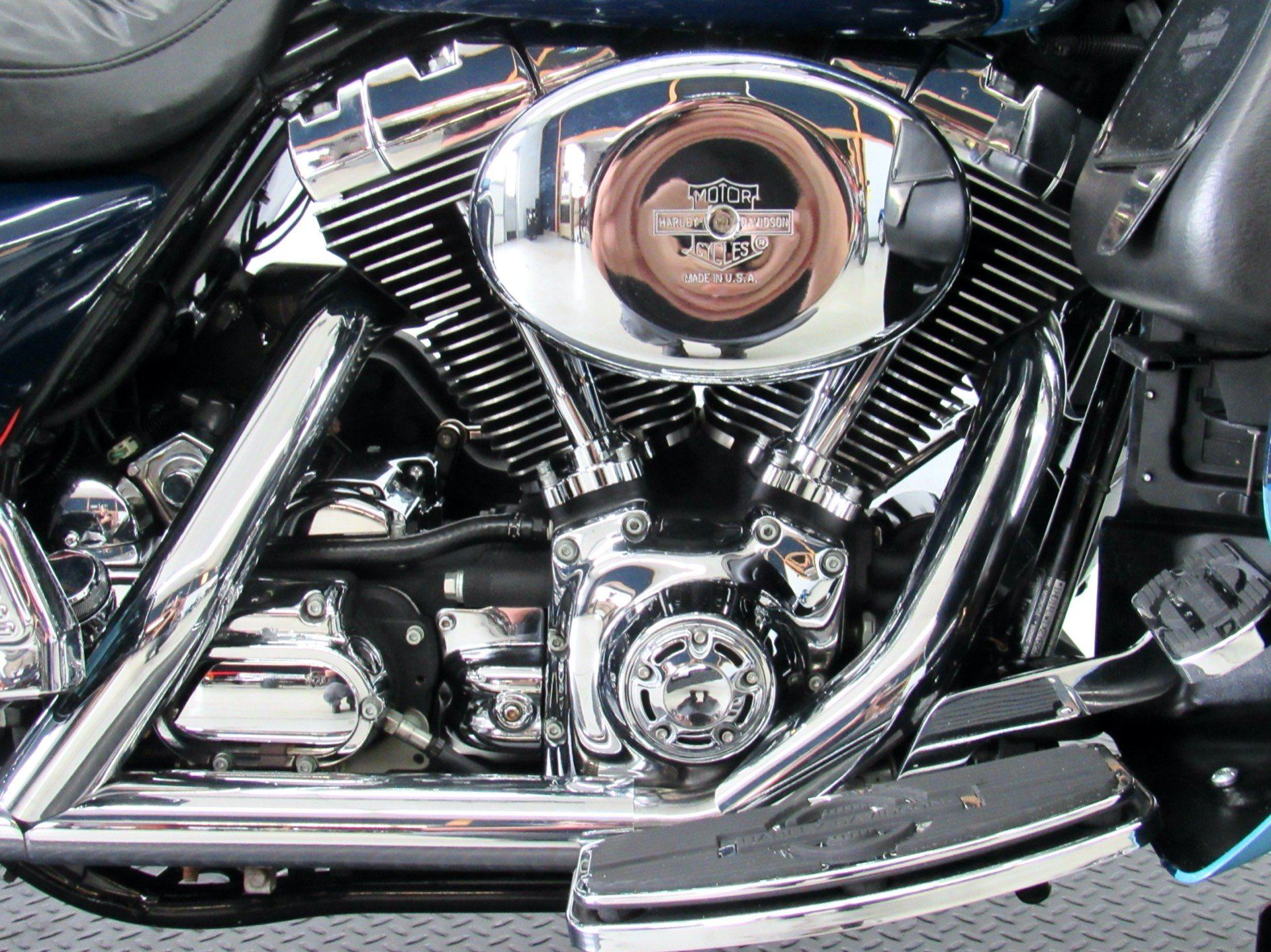 2002 Harley-Davidson FLHTCUI Ultra Classic® Electra Glide® in Fredericksburg, Virginia - Photo 14