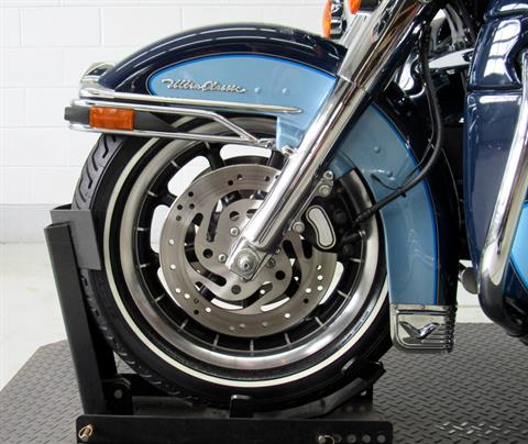 2002 Harley-Davidson FLHTCUI Ultra Classic® Electra Glide® in Fredericksburg, Virginia - Photo 16