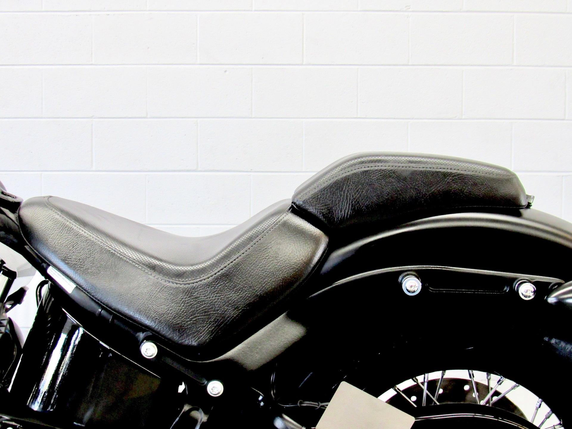 2012 Harley-Davidson Softail® Blackline® in Fredericksburg, Virginia - Photo 24