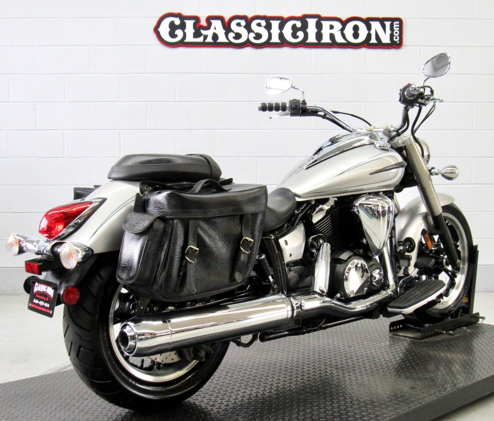 2012 Yamaha V Star 950  in Fredericksburg, Virginia - Photo 5