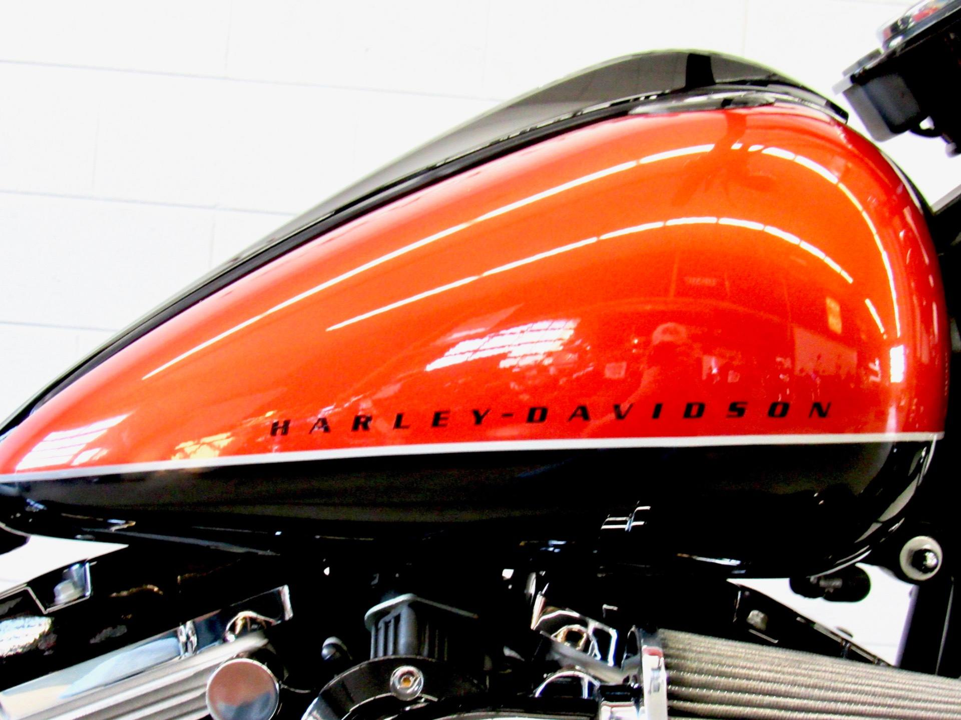 2011 Harley-Davidson Softail® Blackline™ in Fredericksburg, Virginia - Photo 13