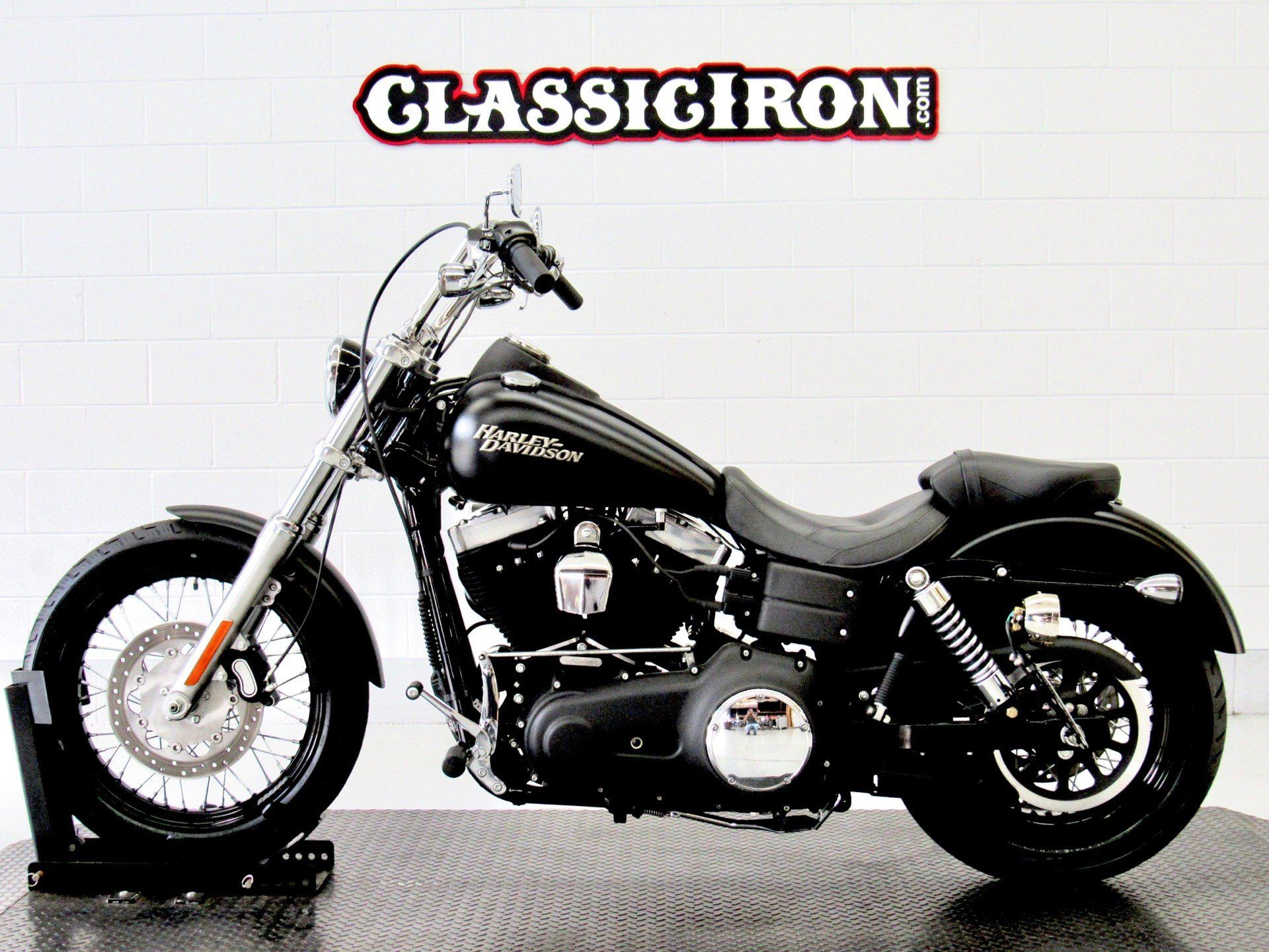 2011 Harley-Davidson Dyna® Street Bob® in Fredericksburg, Virginia - Photo 4