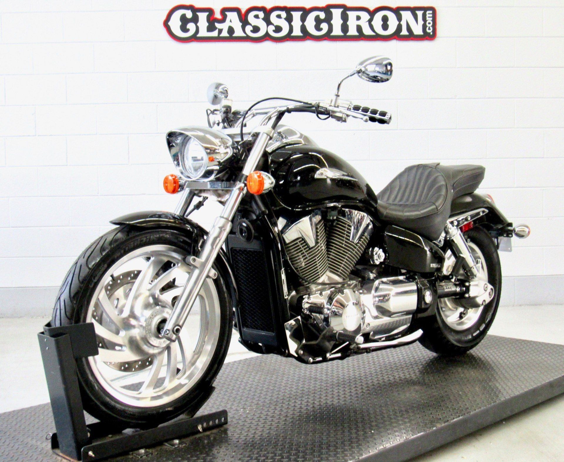 2006 Honda VTX™1300C in Fredericksburg, Virginia - Photo 3