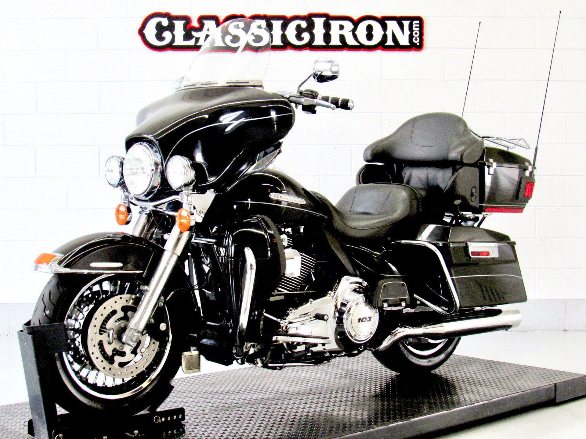 2011 Harley-Davidson Electra Glide® Ultra Limited in Fredericksburg, Virginia - Photo 3