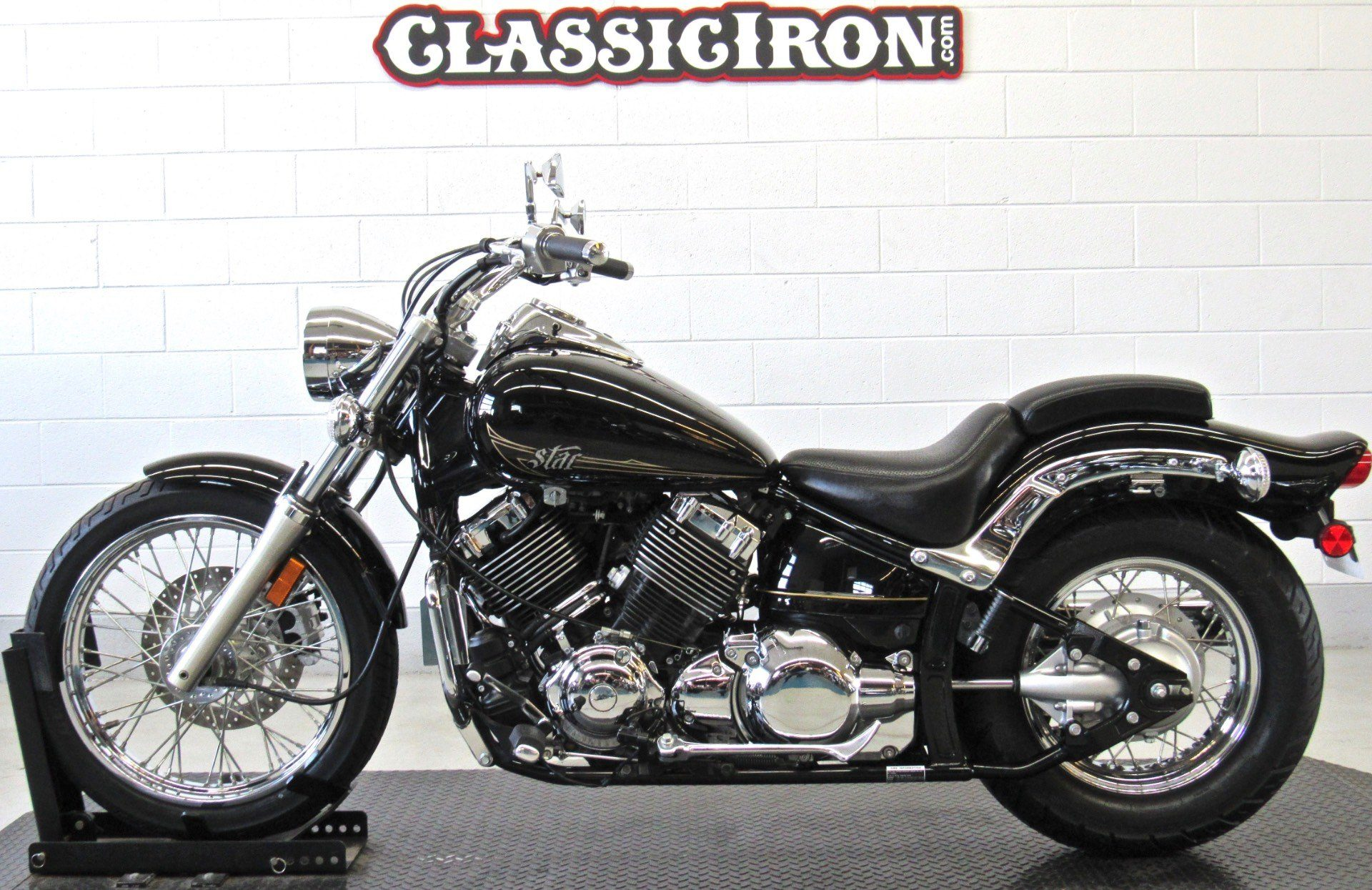 2013 Yamaha V Star 650 Custom in Fredericksburg, Virginia - Photo 4