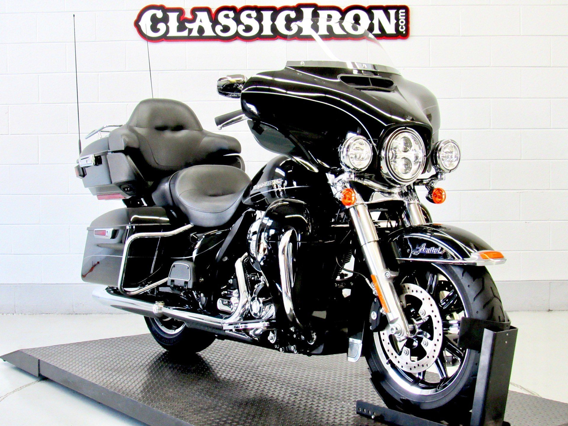 2014 Harley-Davidson Ultra Limited in Fredericksburg, Virginia - Photo 2