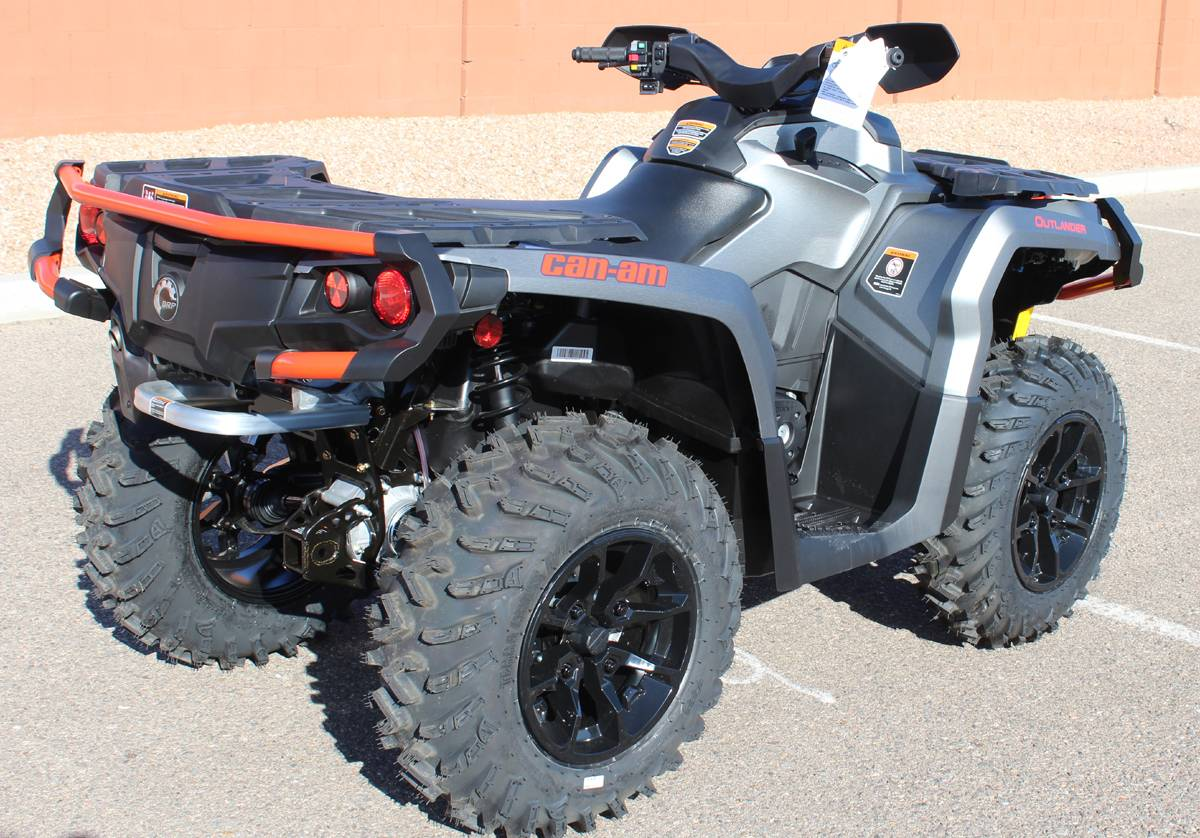 2018 Can-Am Outlander MAX XT 650 in Kingman, Arizona