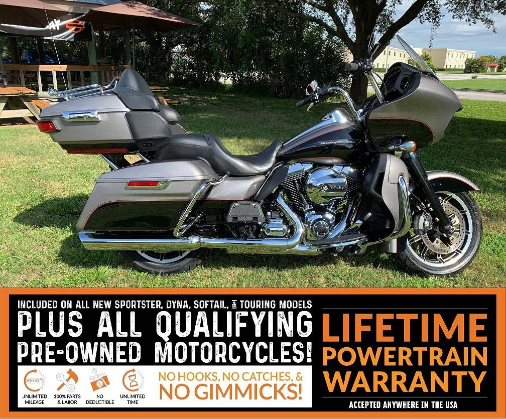 2016 Harley-Davidson Road Glide® Ultra in Sarasota, Florida - Photo 2
