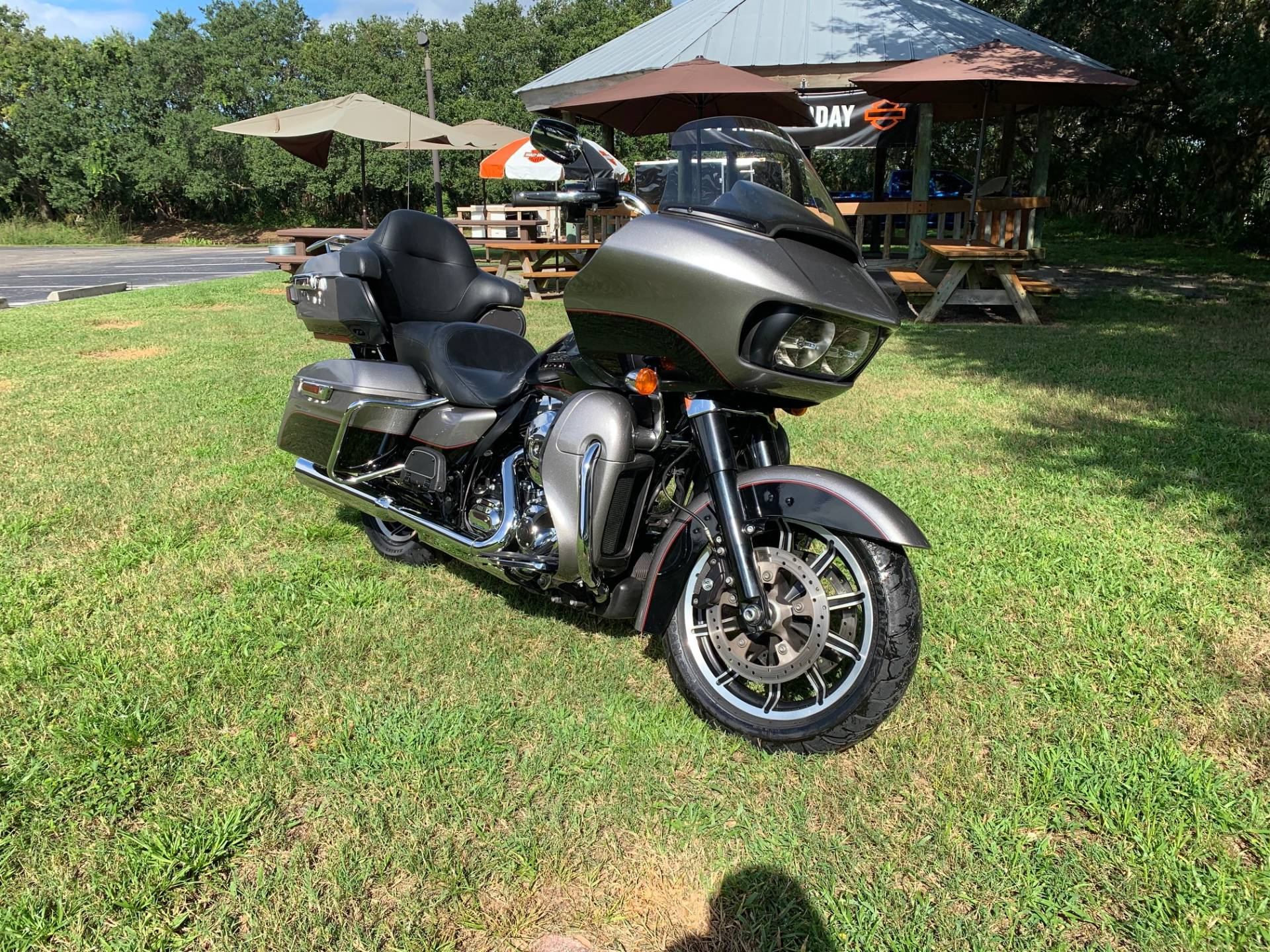 2016 Harley-Davidson Road Glide® Ultra in Sarasota, Florida - Photo 5