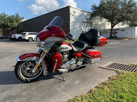 2019 Harley-Davidson Electra Glide® Ultra Classic® in Sarasota, Florida - Photo 10