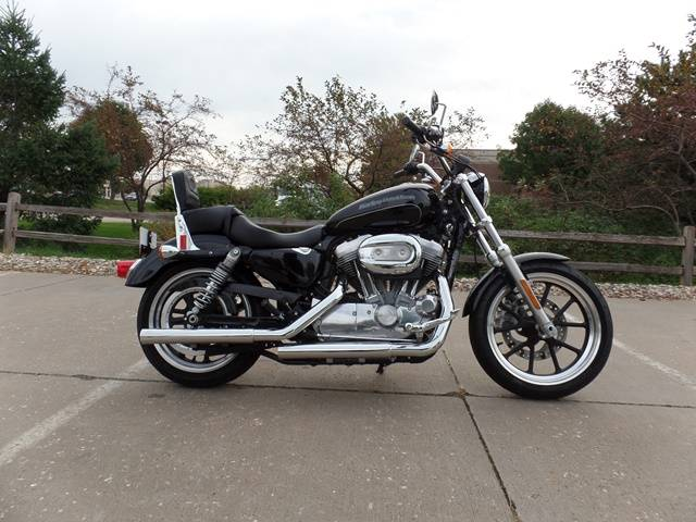 2016 Harley-Davidson 883 Low Sportster in Davenport, Iowa
