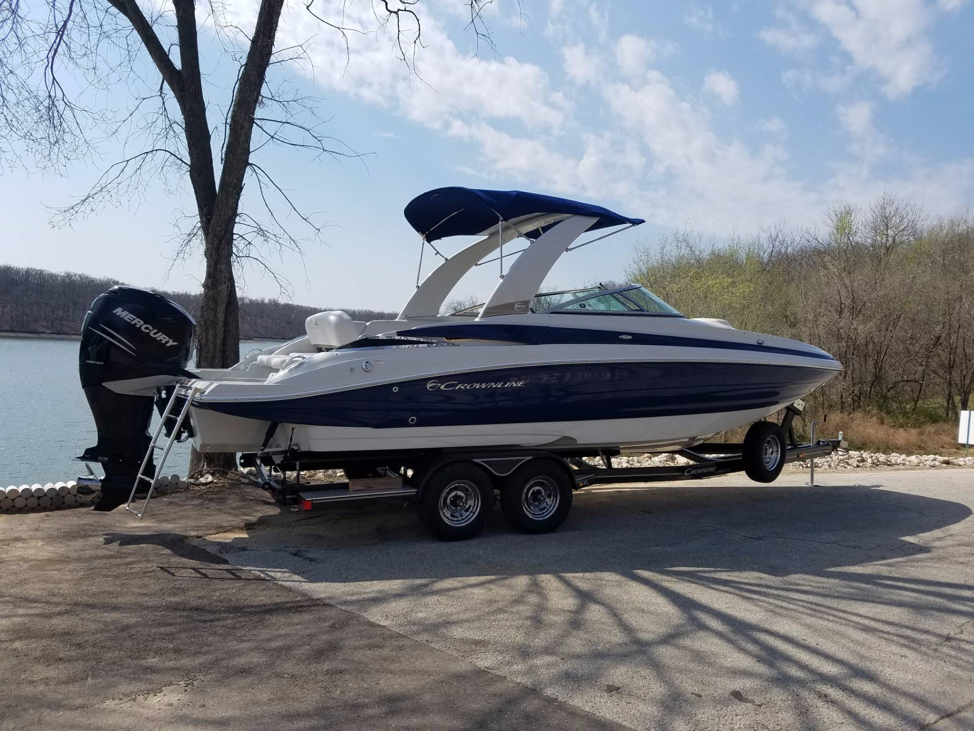 2017 Crownline E6 XS in Osage Beach, Missouri