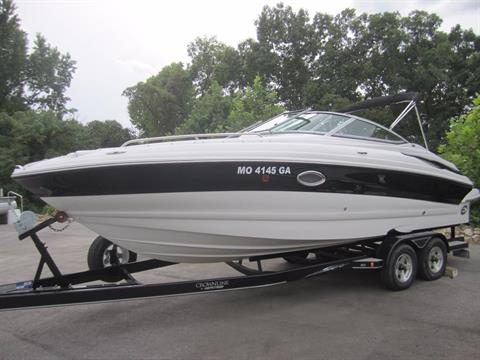 2006 Crownline 260LS in Osage Beach, Missouri