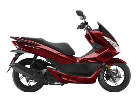 2016 Honda PCX150 Dark Candy Red in Fort Pierce, Florida