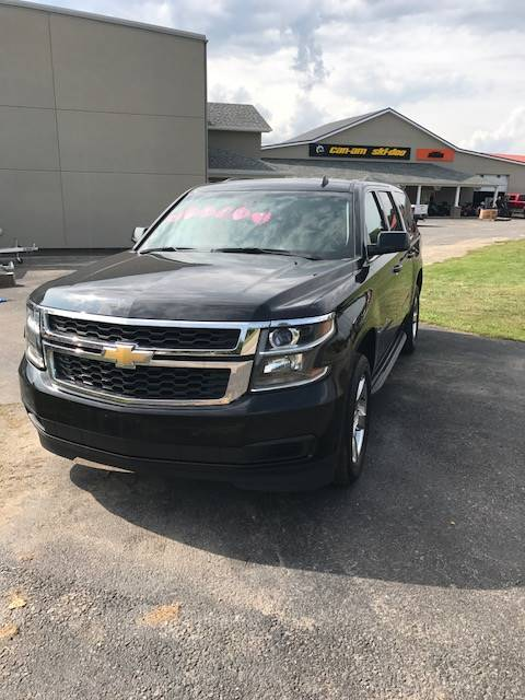 2015 Chevrolet Suburban LT in Dansville, New York - Photo 2