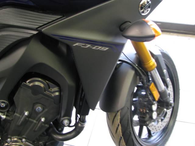 2017 Yamaha FJ-09 6