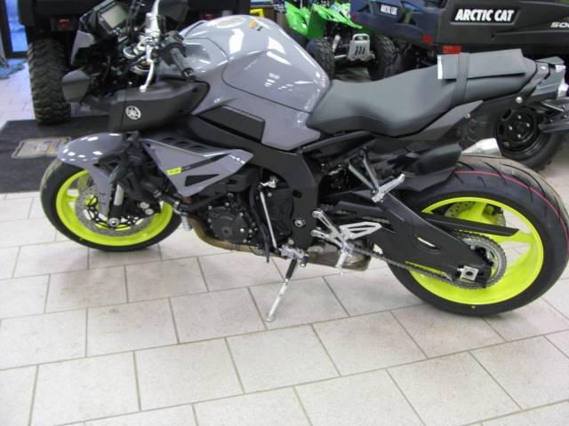 2017 Yamaha FZ-10 2