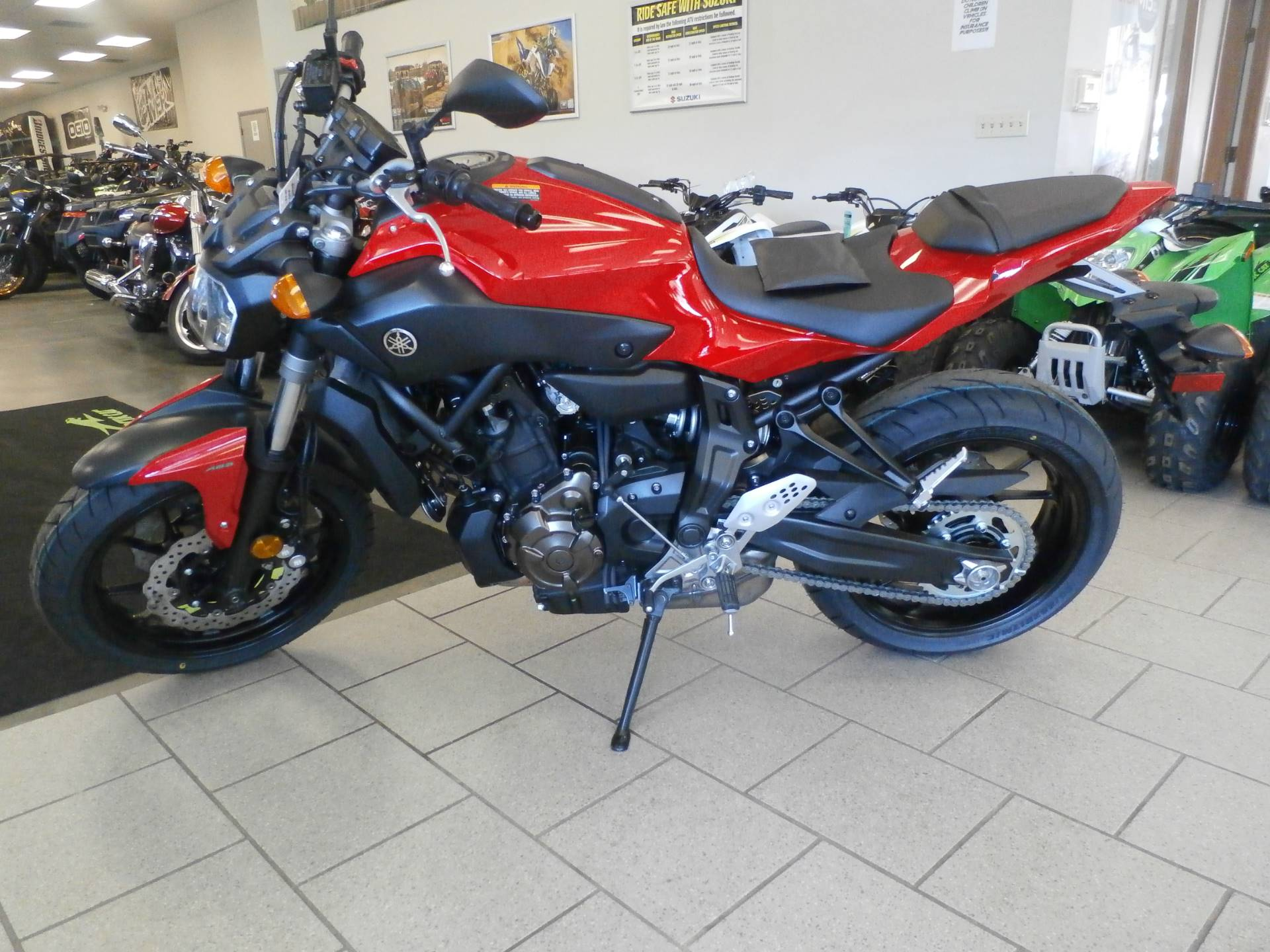 2017 Yamaha FZ-07 ABS 1