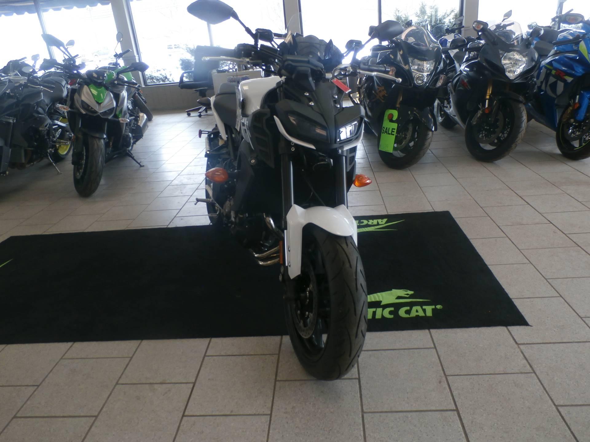 2017 Yamaha FZ-09 2