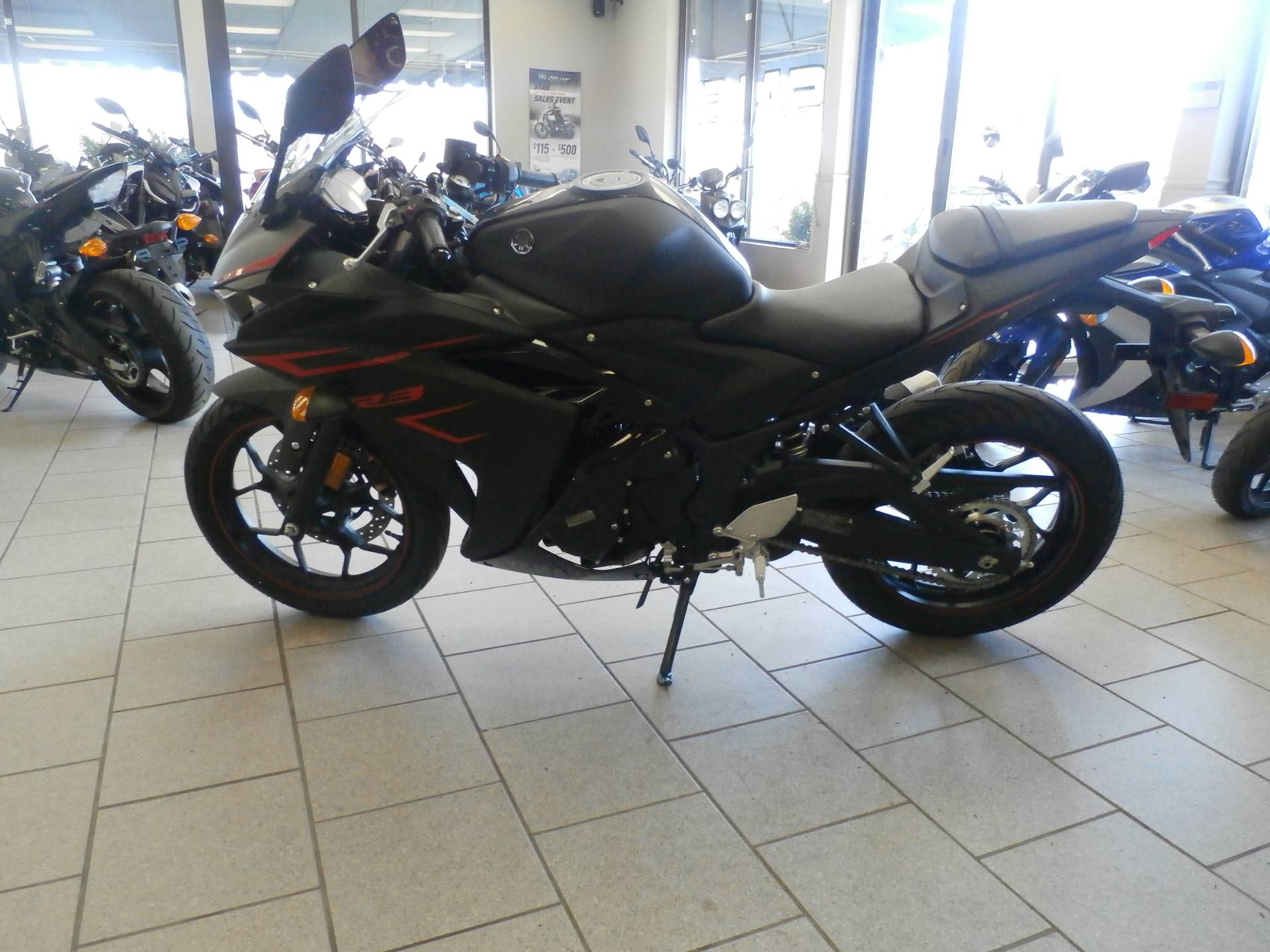 2017 Yamaha YZF-R3 1