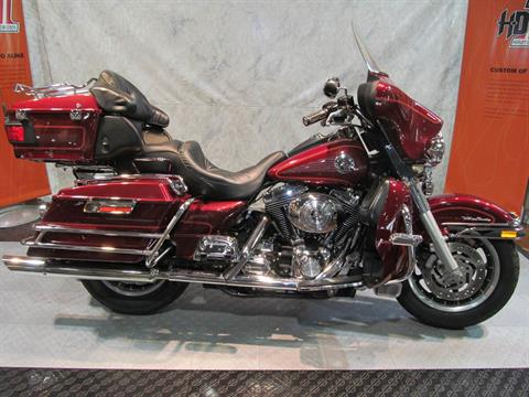 2001 Harley-Davidson Ultra Classic in Rothschild, Wisconsin