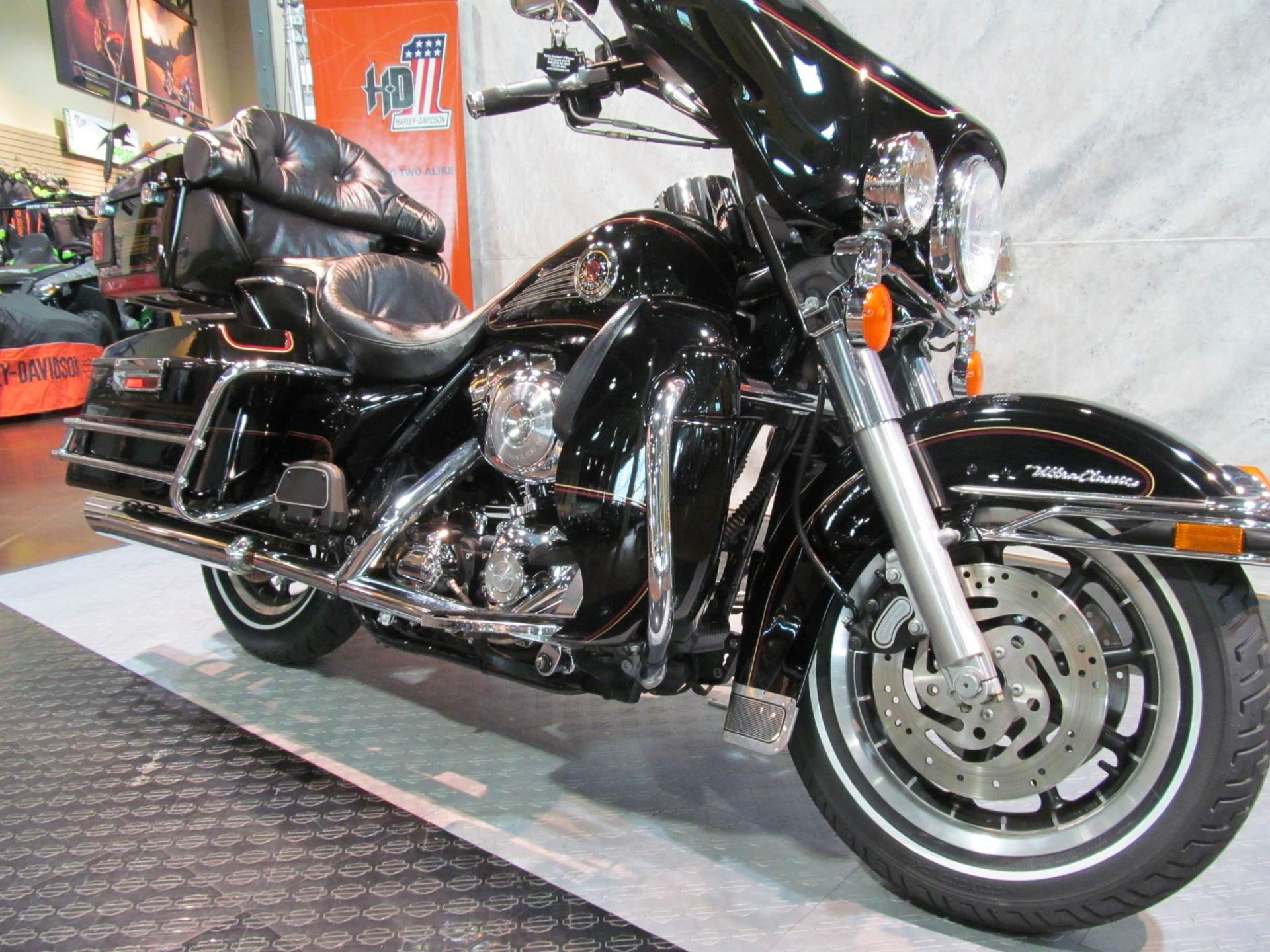 2000 Harley-Davidson Ultra Classic in Rothschild, Wisconsin