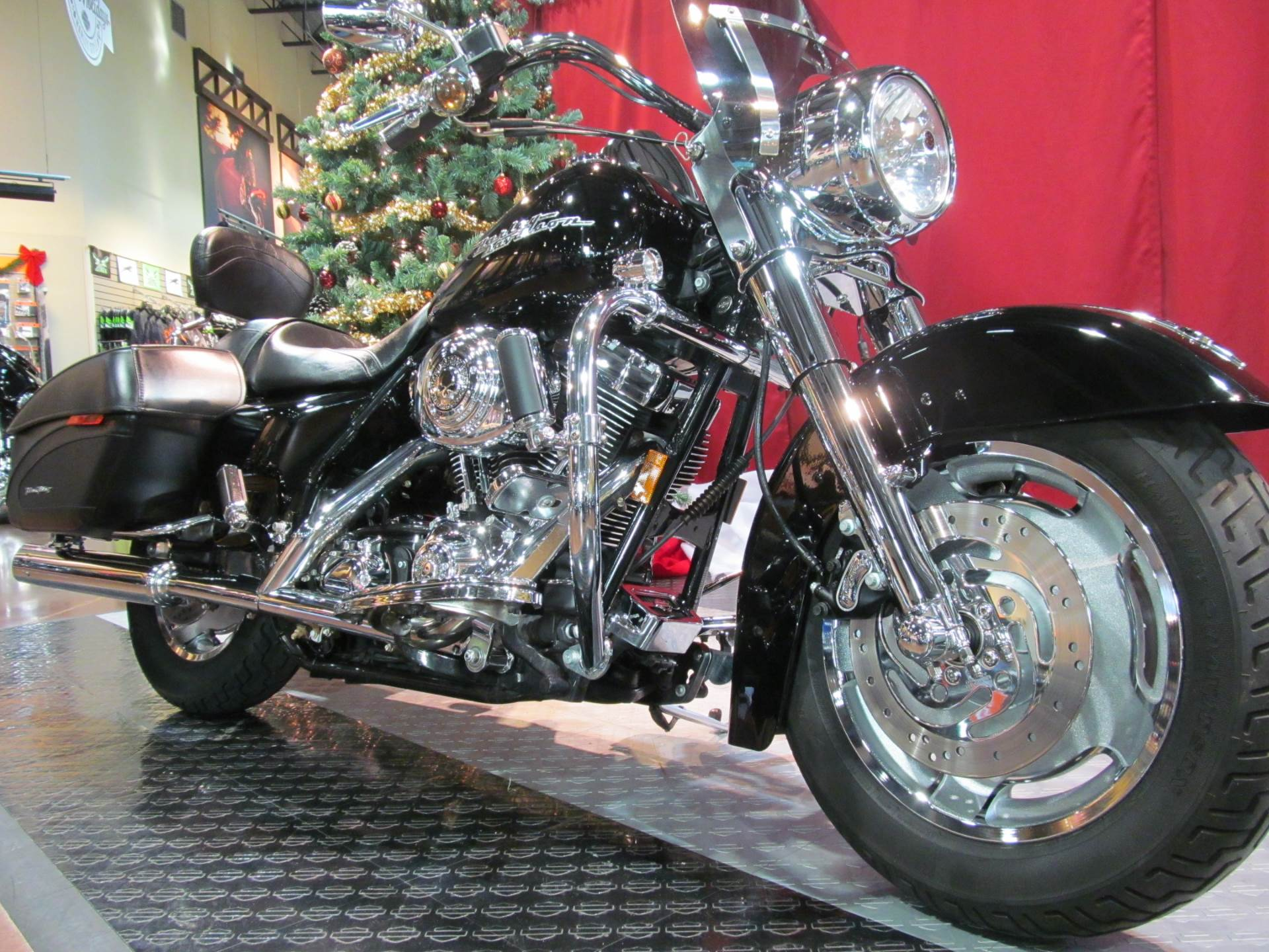 2005 Harley-Davidson Road King Custom in Rothschild, Wisconsin
