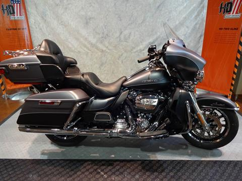 2017 Harley-Davidson Ultra Lmited in Rothschild, Wisconsin