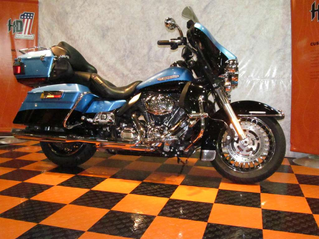 2011 Harley-Davidson Electra Glide® Ultra Limited in Rothschild, Wisconsin