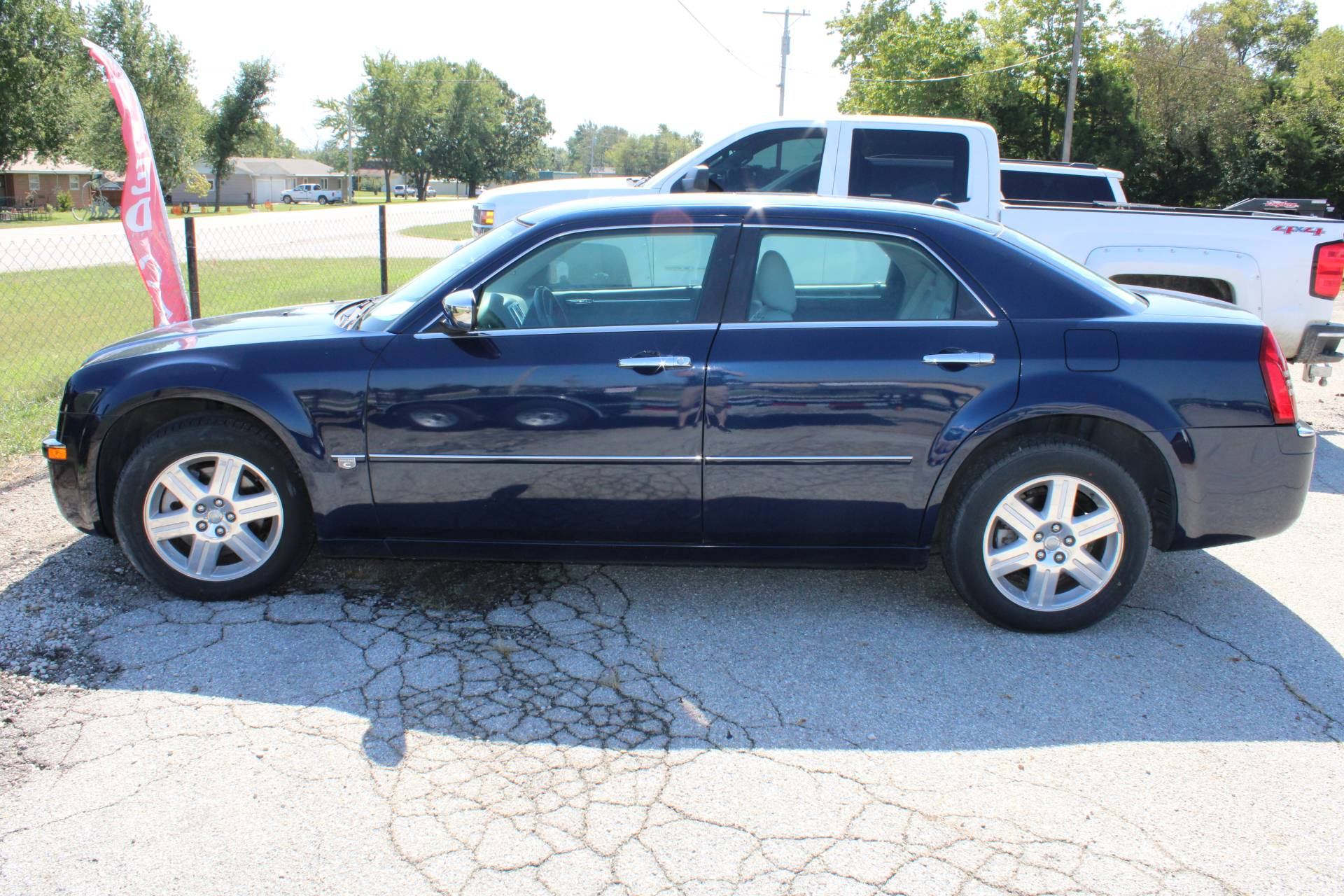 2005 Chrysler 300 C in Chanute, Kansas - Photo 1