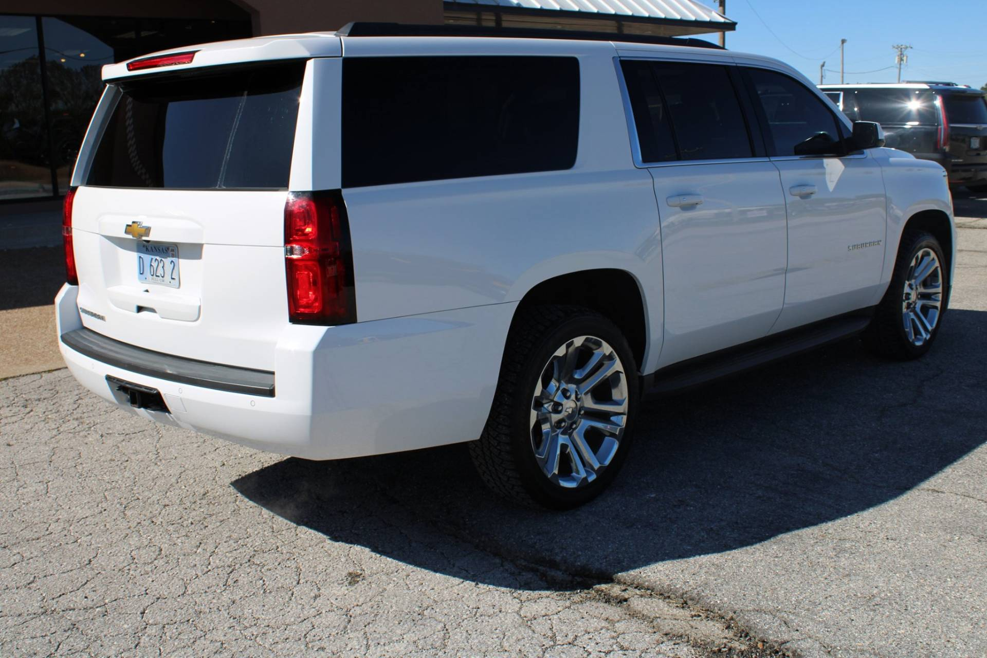 2015 Chevrolet SUBURBAN in Chanute, Kansas - Photo 17