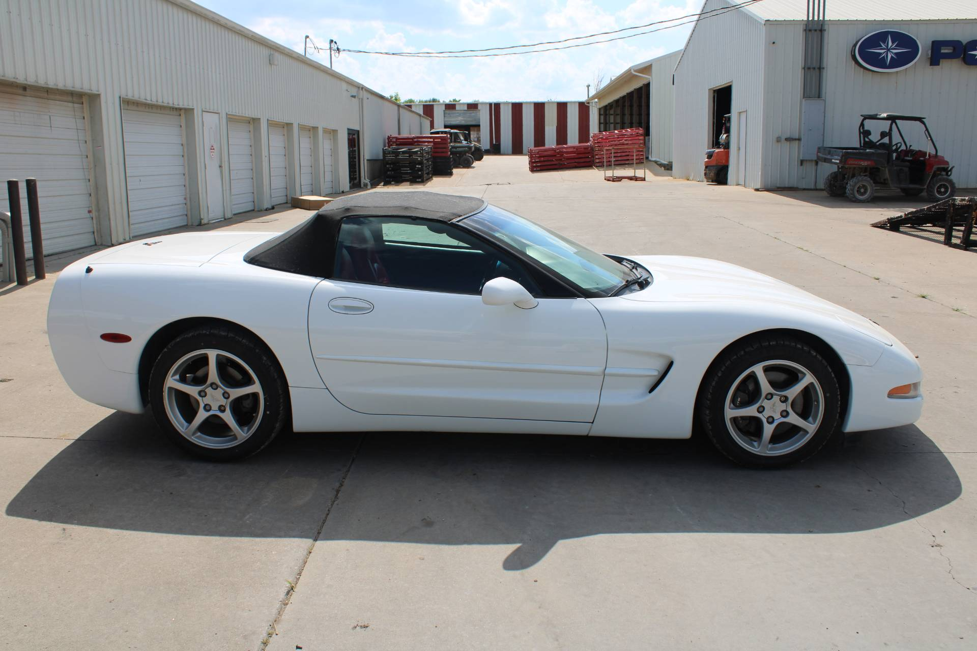 2000 Chevrolet CORVETTE in Chanute, Kansas - Photo 3