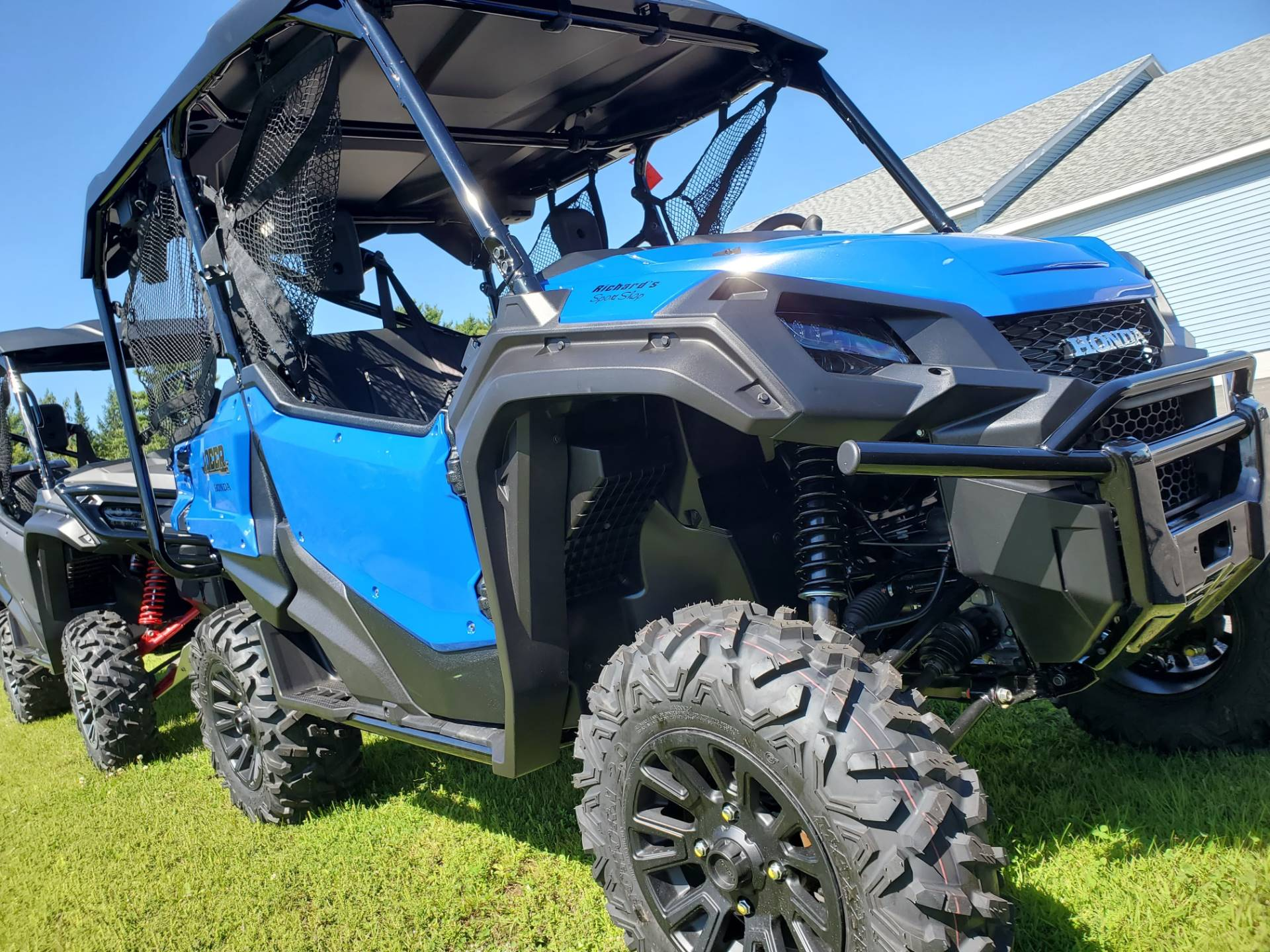 2020 Honda Pioneer 1000-5 Deluxe in Lincoln, Maine - Photo 2