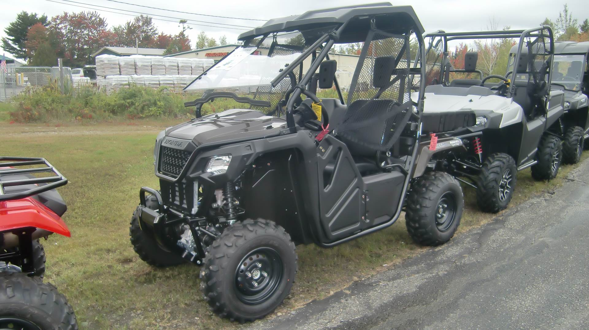 2020 Honda PIONEER 500 in Lincoln, Maine - Photo 2