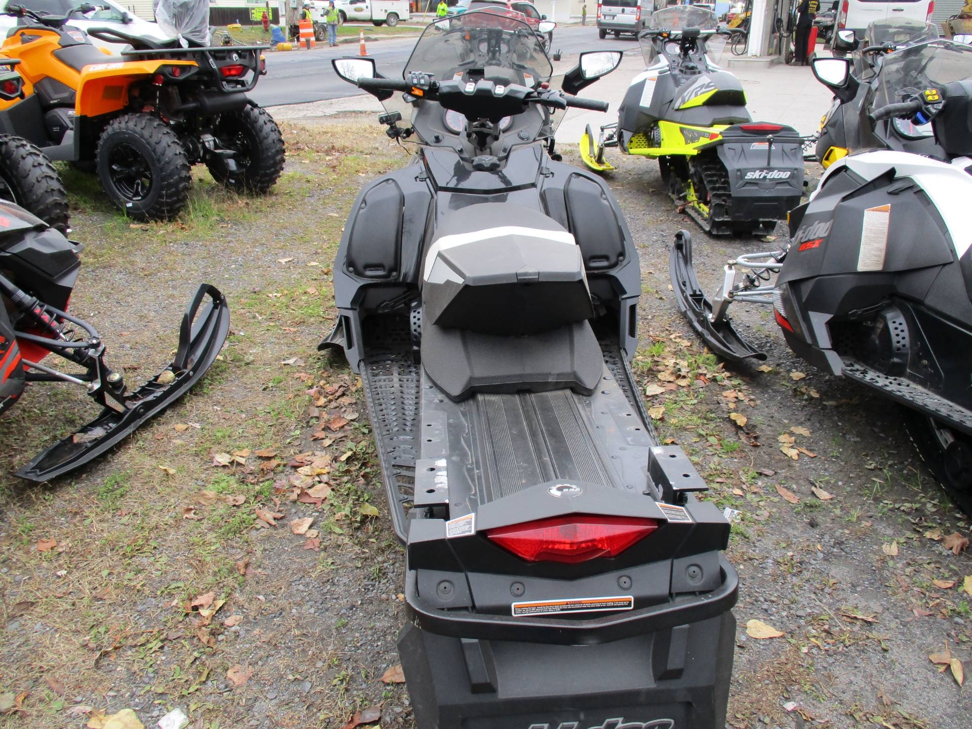 2015 Ski-Doo GSX® SE E-TEC® 600 H.O. in Colebrook, New Hampshire