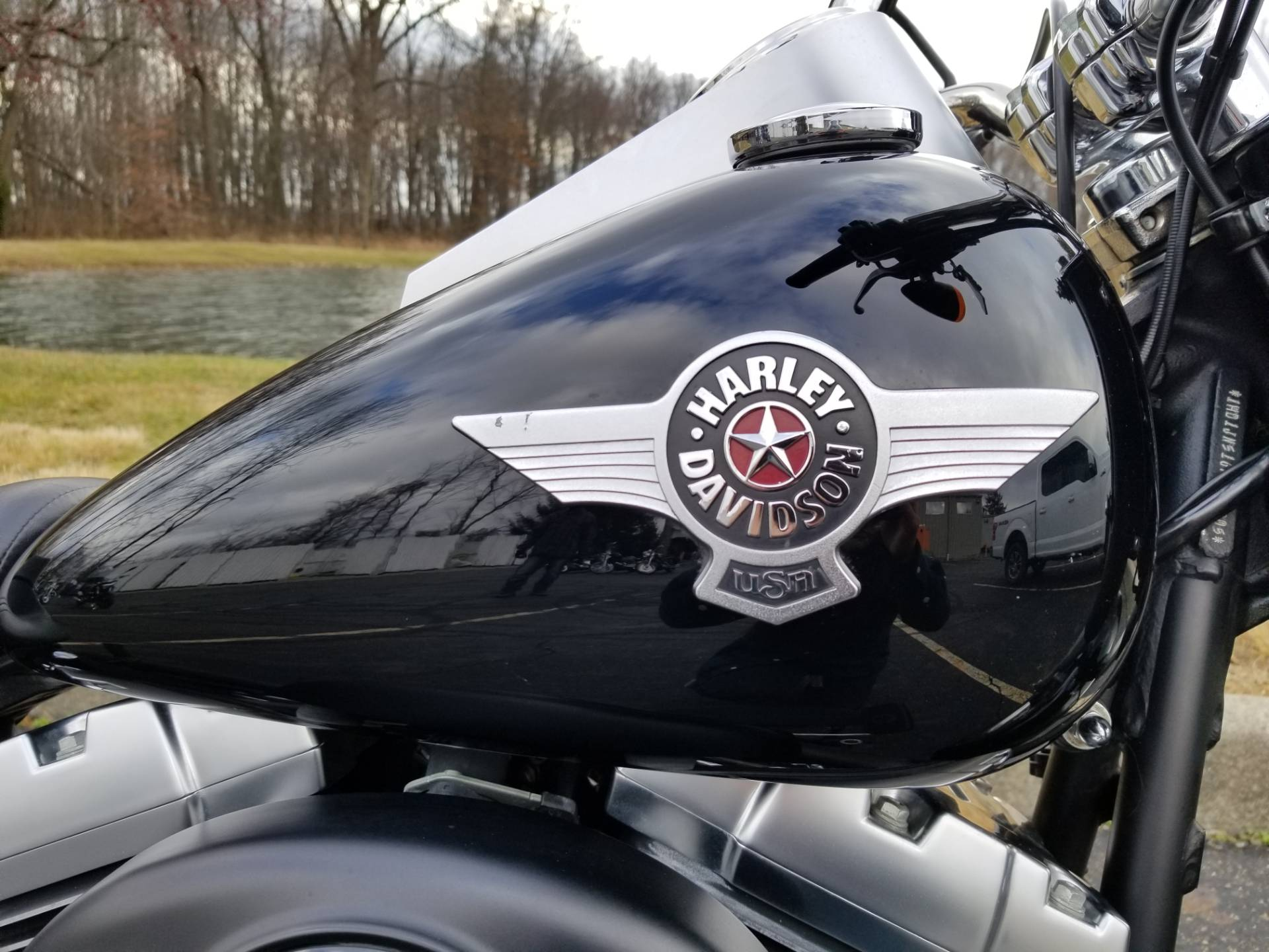 2010 Harley-Davidson Softail® Fat Boy® Lo in Sunbury, Ohio - Photo 2