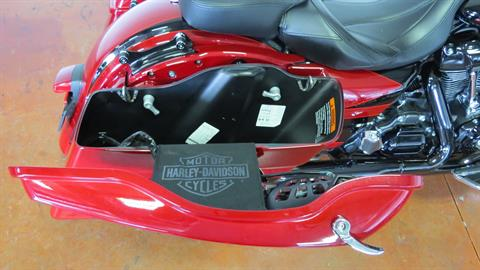 2017 Harley-Davidson CVO™ Street Glide® in Sunbury, Ohio - Photo 12